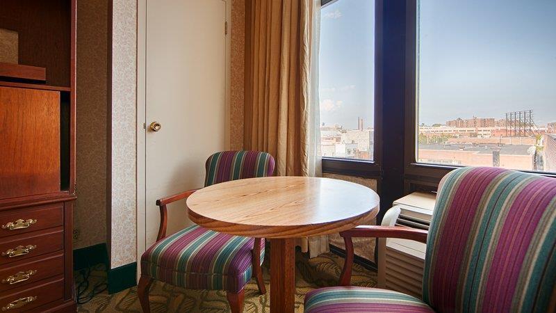 33069_012_Guestroom